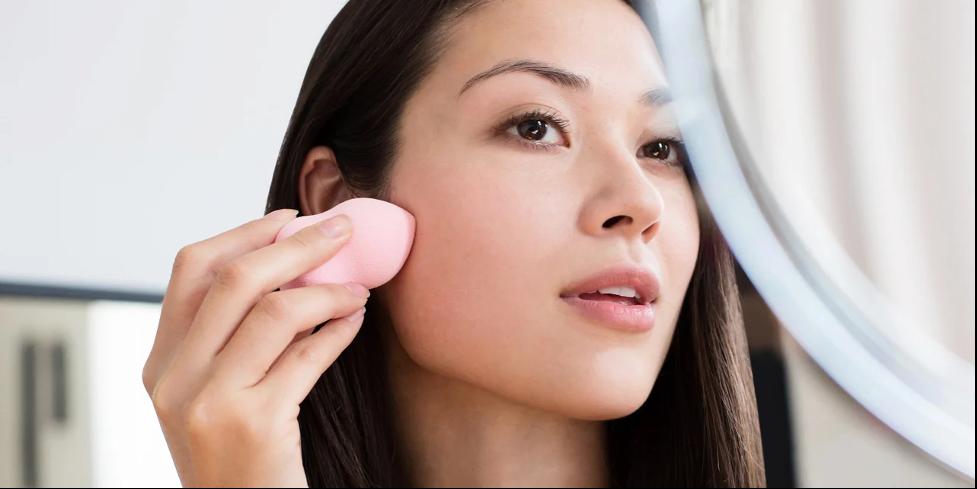 women-brushing-face